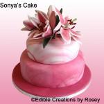 Sugarpaste Stargazer lilies cake